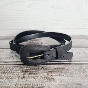 MaxMara Skinny Black Leather Belt